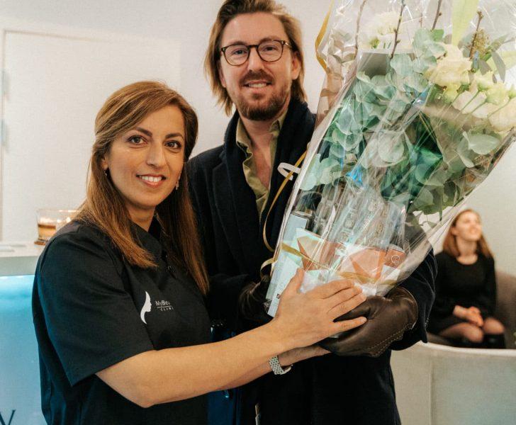 Mitra Nadali vid invigning av första franchise salongen i Partille.